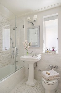 6 Tricks To Making Your Small Bathroom Look Bigger Tundraland