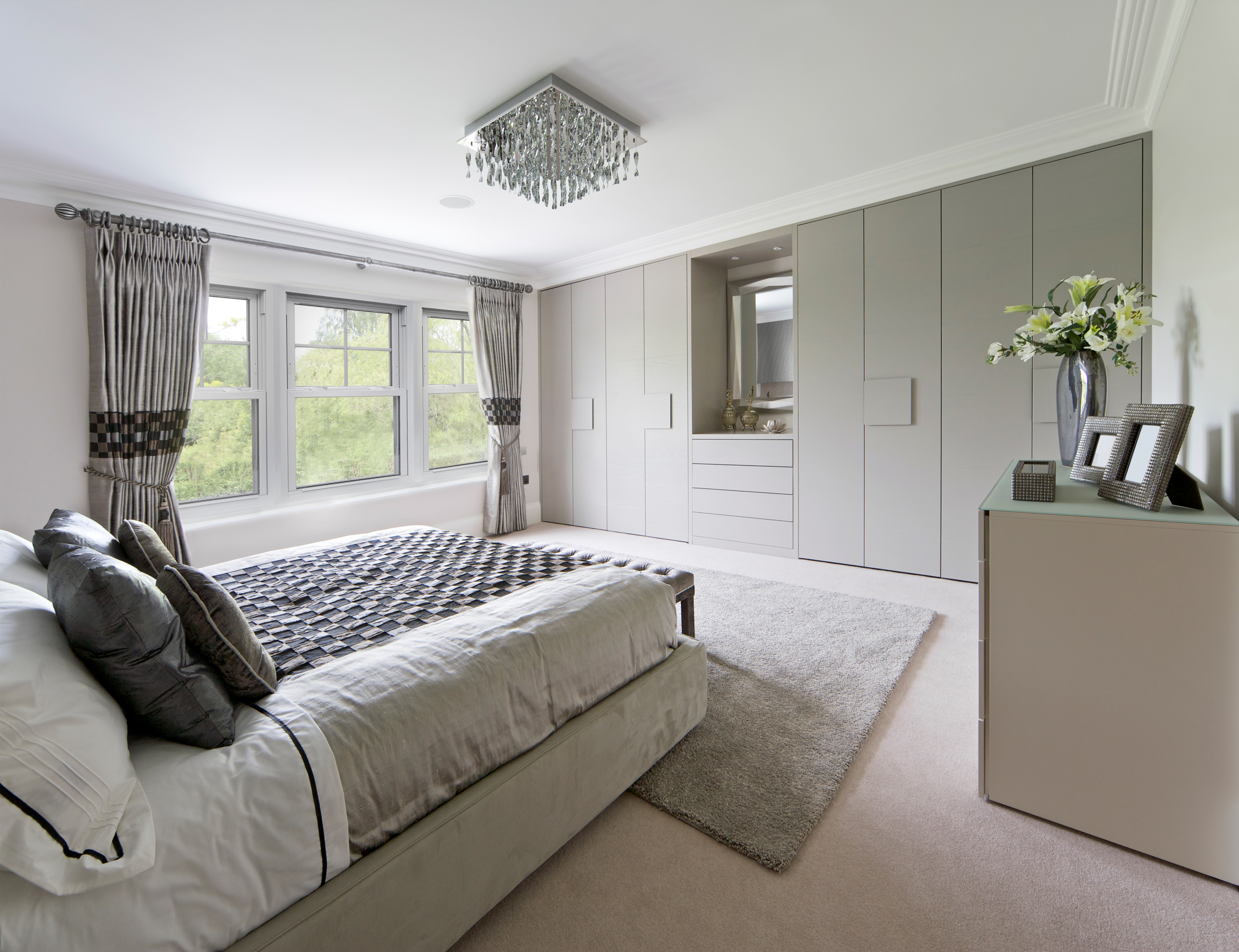 Best Window Styles for Master Bedrooms | Tundraland