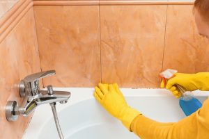 Bathtub Cleaning Products & Guidelines