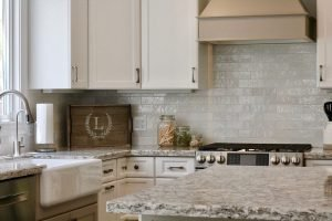 Why You Shouldn't DIY a Cabinet Refacing Project